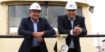 Hakkı Çek (solda), ve Dr. Kerim Kazgan